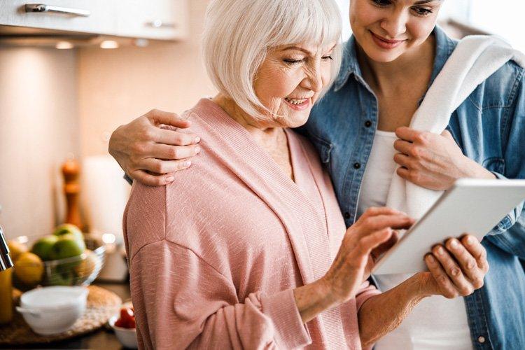senior-living-wi-fi-internet-750x500
